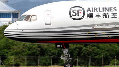 B-220C - Boeing 757-28A(PCF) - SF Airlines
