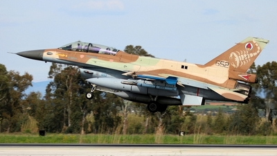 652 - Lockheed Martin F-16D Barak - Israel - Air Force