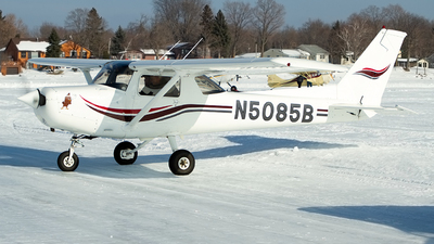 N5085M - Cessna 152 - Private