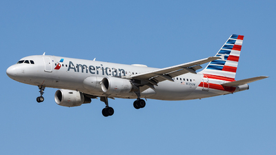 A picture of N125UW - Airbus A320214 - American Airlines - © Sean Brink