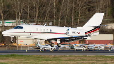A picture of N679QS - Cessna 560XL Citation Excel - NetJets - © SpotterPowwwiii