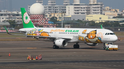 A picture of B16205 - Airbus A321211 - EVA Air - © Y.S Song