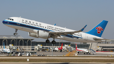 B-322F - Airbus A320-251N - China Southern Airlines