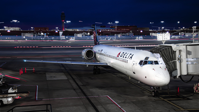A picture of N951AT - Boeing 7172BD - Delta Air Lines - © Jim Li