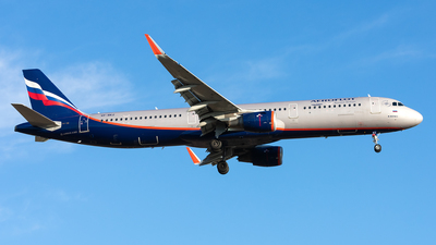 A picture of VPBKZ - Airbus A321211 - Aeroflot - © Aleksandr Alekhichev