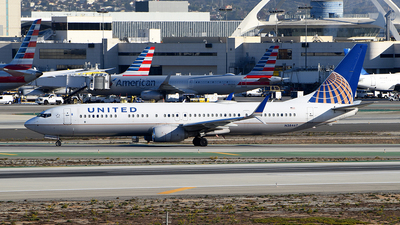 A picture of N38467 - Boeing 737924(ER) - United Airlines - © Rocky Wang