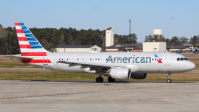 A picture of N112US - Airbus A320214 - American Airlines - © CHS Spotting