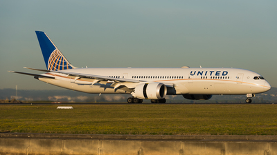N26960 - Boeing 787-9 Dreamliner - United Airlines