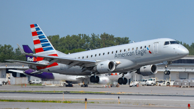 A picture of N115HQ - Embraer E175LR - American Airlines - © jerav8or
