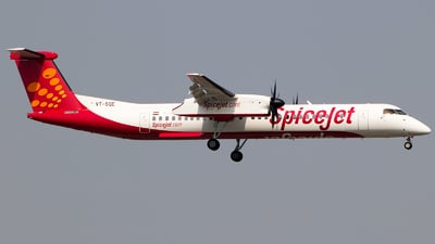 A picture of VTSQE - De Havilland Canada Dash 8400 - SpiceJet - © Aneesh Bapaye