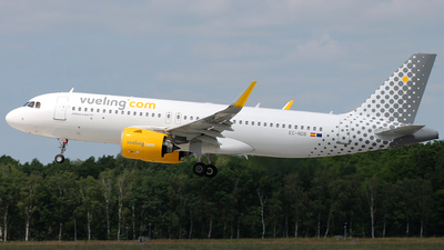 A picture of ECNDB - Airbus A320271N - Vueling - © Florian Resech