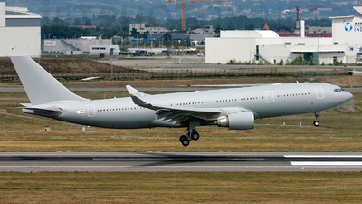 A picture of FWWKB - Airbus A330 - Airbus - © Mickael Cavaco
