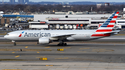 A picture of N772AN - Boeing 777223(ER) - American Airlines - © Rocky Wang