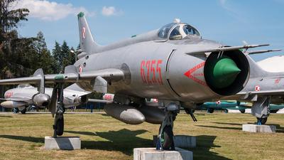 6255 - Sukhoi Su-20R Fitter C - Poland - Air Force