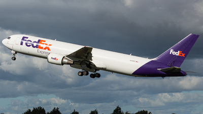 A picture of N118FE - Boeing 7673S2F(ER) - FedEx - © Jonathan L