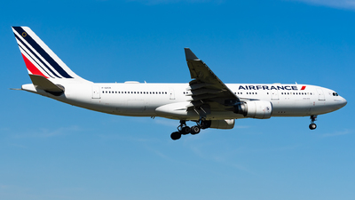 A picture of FGZCK - Airbus A330203 - Air France - © Haocheng Fang