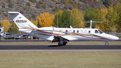 N525DW - Cessna 525B CitationJet 3 - Private
