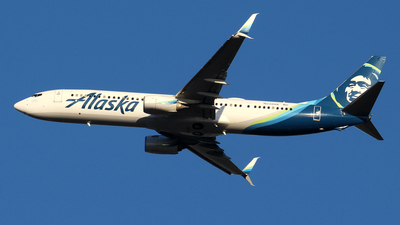 A picture of N238AK - Boeing 737990(ER) - Alaska Airlines - © Huy Do