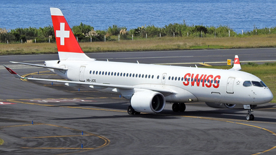 A picture of HBJCE - Airbus A220300 - Swiss - © Antonio Batista