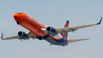 A picture of N840SY - Boeing 7378JP - Sun Country Airlines - © Steve Rinde