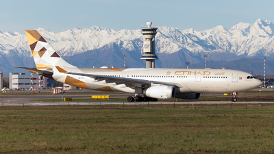 A picture of A6EYF - Airbus A330243 - [0717] - © Fabrizio Gandolfo