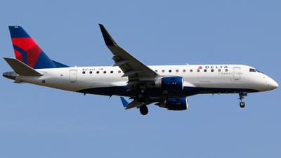 A picture of N254SY - Embraer E175LR - Delta Air Lines - © Alec Mollenhauer