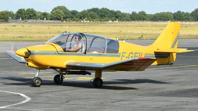 F-GEIL - Robin DR400/180R Remorqueur - Private