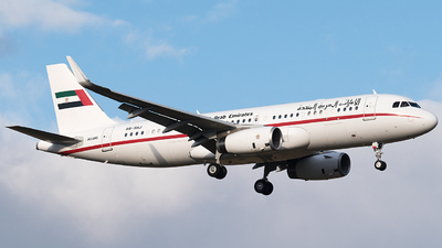A6-SHJ - Airbus A320-232(CJ) Prestige - United Arab Emirates - Dubai Air Wing