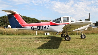 G-BOMZ - Piper PA-38-112 Tomahawk - Private