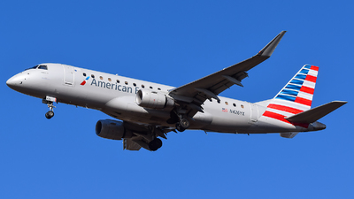 A picture of N426YX - Embraer E175LR - American Airlines - © Evan Dougherty