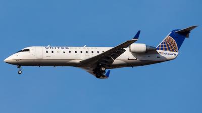 A picture of N426AW - Mitsubishi CRJ200LR - United Airlines - © Martin Pinnau