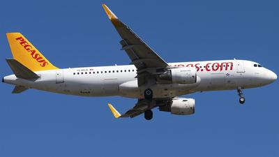 A picture of TCDCA - Airbus A320214 - Pegasus Airlines - © Furkan Borakazi