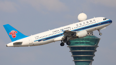 A picture of B6681 - Airbus A320214 - China Southern Airlines - © 308094036