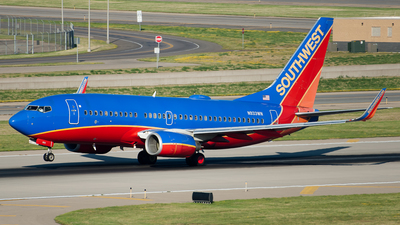 N933WN - Boeing 737-7H4 - Southwest Airlines