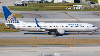 A picture of N37456 - Boeing 737924(ER) - United Airlines - © Davin Amy