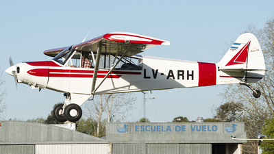LV-ARH - Piper PA-18-125 Super Cub - Private