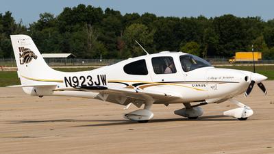 N923JW - Cirrus SR20-G2 - Western Michigan University College of Aviation