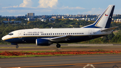 921 - Boeing 737-58N - Chile - Air Force