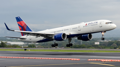 A picture of N542US - Boeing 757251 - Delta Air Lines - © RAFAEL FERNANDEZ ABARCA
