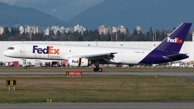 A picture of CFMFG - Boeing 7572B7(SF) - FedEx - © Thomas Lin