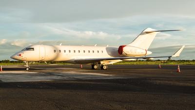 OY-VIZ - Bombardier BD-700-1A11 Global 5000 - Private