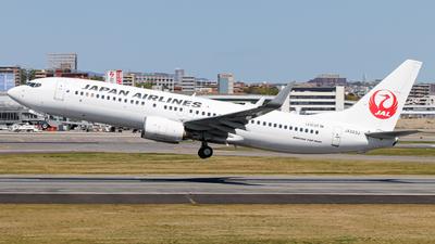 A picture of JA323J - Boeing 737846 - Japan Airlines - © Kirifud_2003