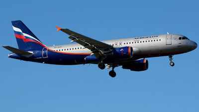 A picture of VPBZO - Airbus A320214 - Aeroflot - © Stefano Betti