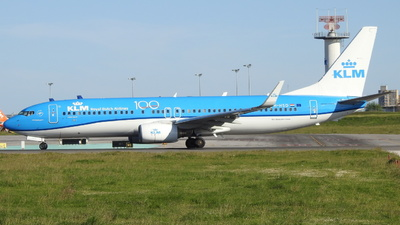 PH-HSD - Boeing 737-8K2 - KLM Royal Dutch Airlines