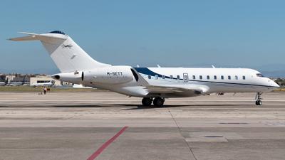 M-SETT - Bombardier BD-700-1A11 Global 5000 - Private