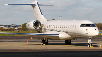 A picture of N18CZ - Bombardier Global 6000 - [9751] - © C. v. Grinsven
