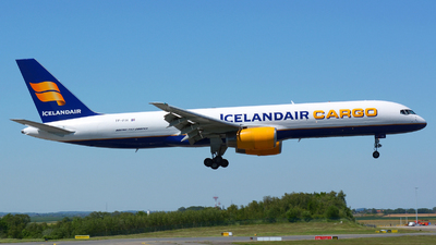 A picture of TFFIH - Boeing 757208(PCF) - Icelandair - © Jeremy Denton