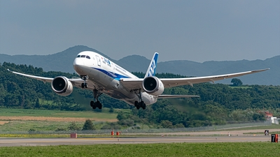 JA819A - Boeing 787-8 Dreamliner - All Nippon Airways (ANA)