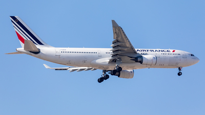 F-GZCB - Airbus A330-203 - Air France