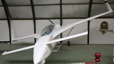 EC-YNP - Rutan LongEZ - Private
